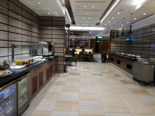 ドバイ国際空港ターミナル1<br />Ahlan Lounge