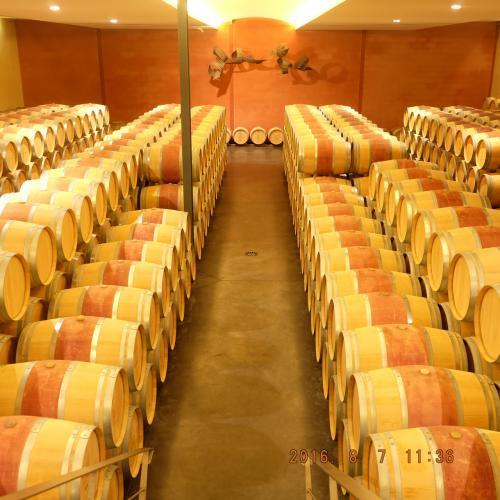 マロラティック発酵。この工程でワインの酸化が減少する、赤ワインには必要不可欠なもの。ボルドーは赤が圧倒的におおく、ロゼはあまり生産されません。