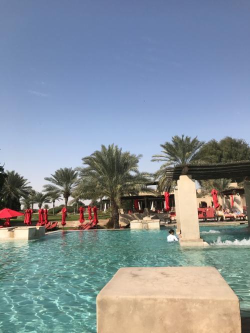 撮影場所によっては砂漠の真ん中で泳いでるように見える、不思議なシチュエーションも楽しめます(^^)