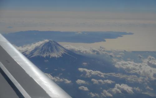 昨年の夏、<br />死にそうになりながら登った富士山・・思い出すヽ(*´∀`)ノ<br /><br />https://4travel.jp/travelogue/11260069