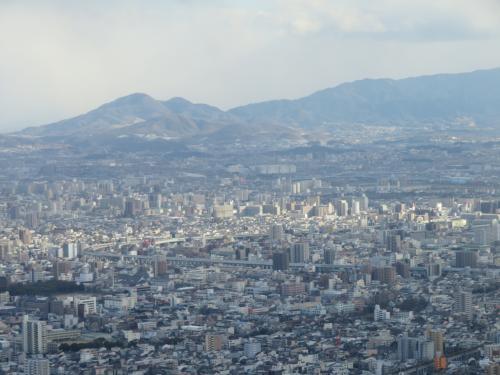 倍率40倍で拡大したが左側が生駒山の山上でTV塔が見える
