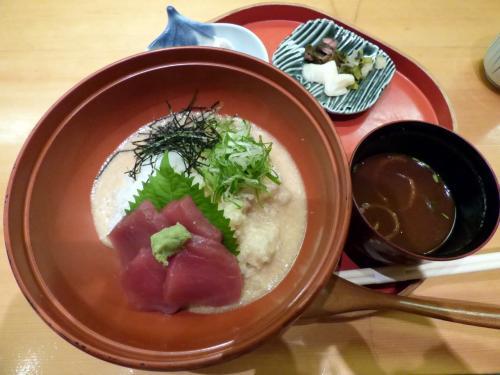 私はつくね芋の山かけ丼 ¥1,026-