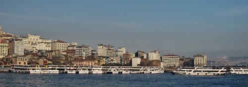 ボスポラス海峡クルーズ船の桟橋