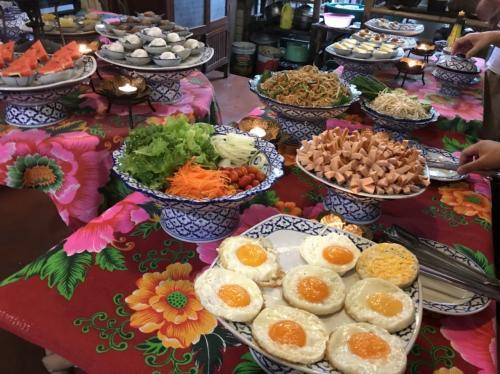 Baan rak Amphawa(バーン ラック アムパワー)<br /><br />12月05日(火)  <br /><br />朝食はブッフェスタイルで<br />