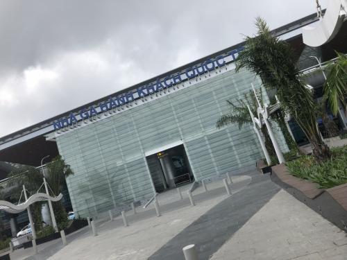 ダナン空港です。ここから公共交通だけでホイアンに行けるかをやってみることにしました。
