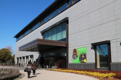 そして「仁和寺と御室派のみほとけ展」が行われている平成館。<br />開催は3月11日まで。当日一般料金は1600円。<br />何といっても再現された観音堂。撮影もできるとのことなので・・・
