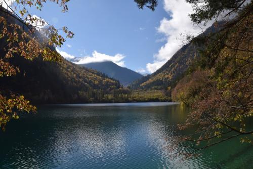 長海景区:長海海抜3100m九寨溝で一番大きい湖