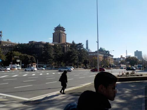 次は、名古屋城を目指します。<br />市役所と県庁<br />すごい建物です<br />