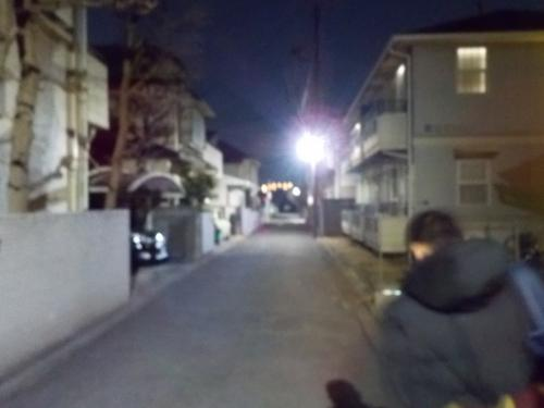 1日目<br />  定番の早朝出発!<br />  まだ真っ暗。寒いです。<br />