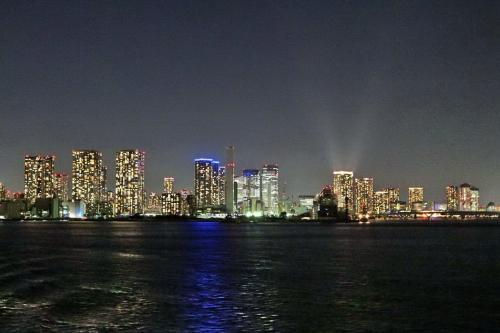 こんな素晴らしい夜景が見れるだけでも、今回のツアーは大満足です。<br /><br />ニューヨーク・マンハッタンの夜景にも、引けを取らない美しさに感動!<br /><br />https://4travel.jp/travelogue/10796832
