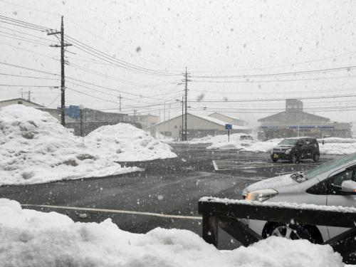 奥が県道自動車道への田所駅出口