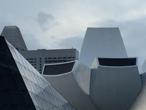 面白い形の建物