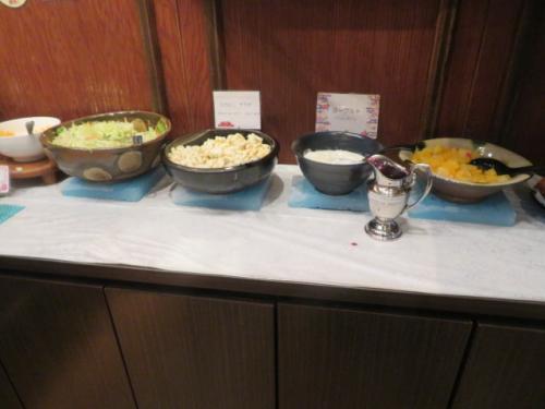 ホテルロコイン松山の朝食、種類は少ないです