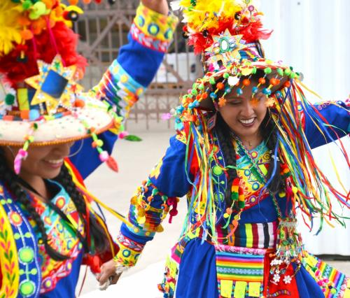 【ブラジルでボリビアカーニバル】<br /><br />わざわざ、カーニバルを観に、ボリビアの空気の薄い、オウロまで行く必要が無く、