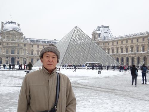 もう一枚。寒いので、昨日モンマルトルで買った帽子をかぶっています(笑)。