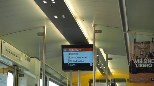 まずはベルンまで直行するはずが、乗り換えて向かいます^^;)
