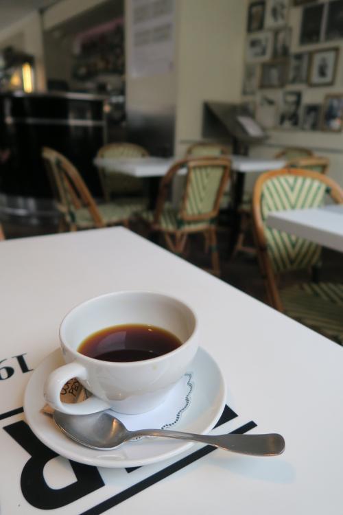 私はコーヒーの味がすごく分かるわけではありません。でも、分かるようになりたいと思っています。<br /><br />目利きをする人は、100個偽物を見てこれは偽物だと覚えるより、本物をひとつ見ろと言われるのですって。<br />かくなる上は私も、、!