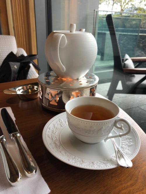 最終日は朝から幸神社へお参りに行き<br />予約しておいたリッツカールトンのアフタヌーンティへ<br />サービスといい紅茶、スイーツすべてに満足です