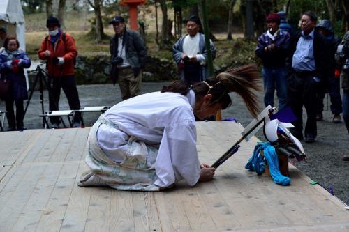 八坂神社ではお神楽奉納が続いています。