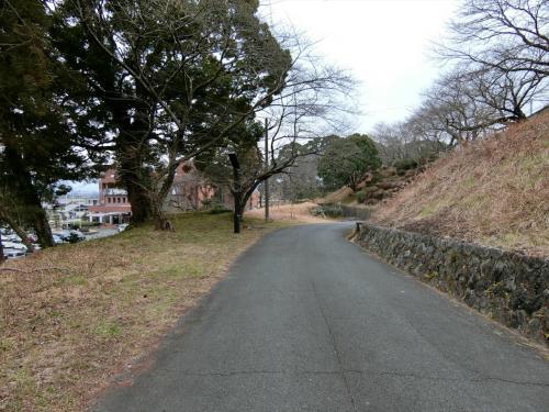 現在、城跡は中学校になっていた。