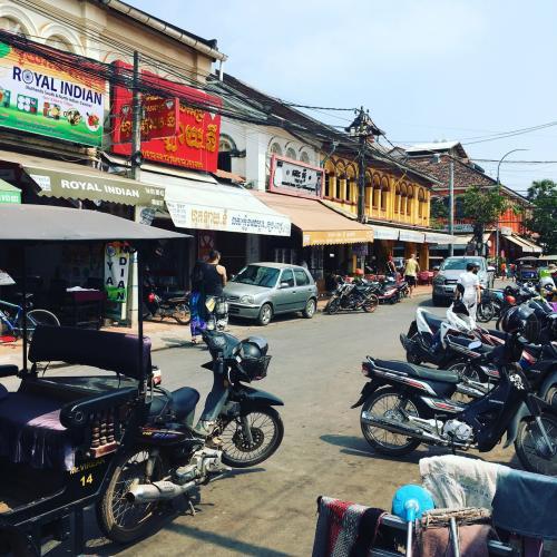 シェムリアップ市内のオールドマーケットである。