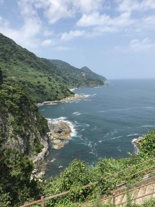 展望所から眺めたカマヤ海岸です。日本海の海岸が絶景です。
