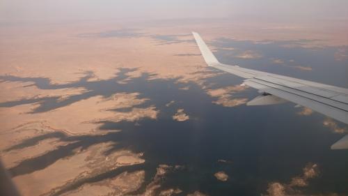機上からの風景。<br />ナイル川かな?