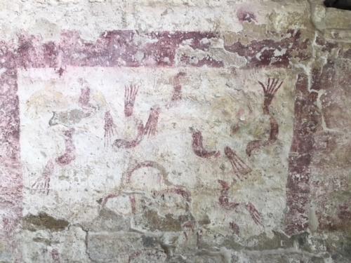 パハロの神殿の壁画<br /><br />ここには二種類の鳥が描かれています。使われている顔料は三種。黄色と赤、そして、マヤンブルーです。<br /><br />このマヤンブルーが如何に貴重かが分かるとこの遺跡の存在感が際立ちます。