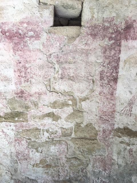 アハウの文字。<br /><br />分かりますか?<br /><br />西暦300年ごろには王が存在していた事を示しています。当時は、その後マヤ世界第二の巨大センターに発展するコバが建国されたころと時が重なります。その当時、ここシェルハでも王がこの地域を統治していたわけで、シェルハはその後コバほど大きく発展をしなかったわけですが、何がその命運を分けたのか。。。思いを馳せるといろいろな事が思い浮かんできます。<br /><br />
