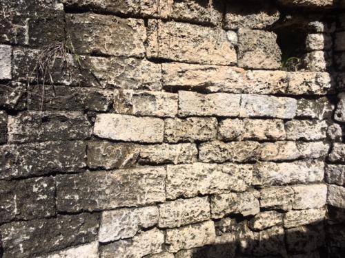 宮殿内の精巧なブロック<br /><br />全ての石が企画化された均一の大きさで隙間なくぴったり積み上げられています。