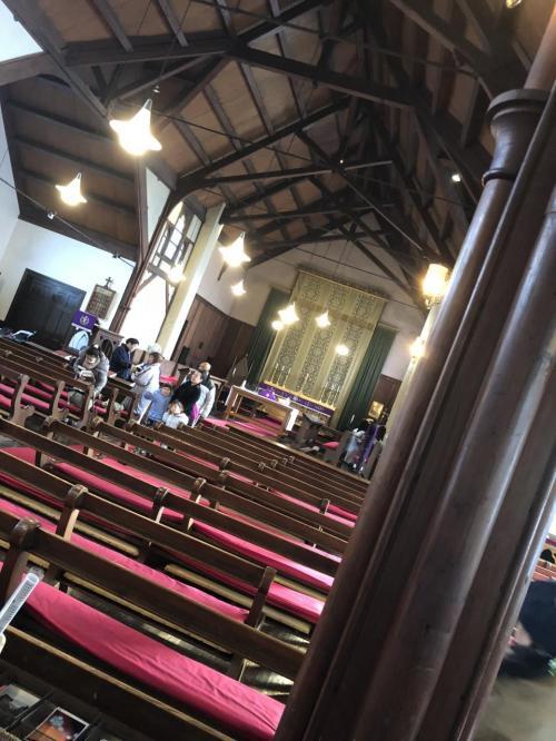 礼拝堂の中。この時間は英語の礼拝をしていました。