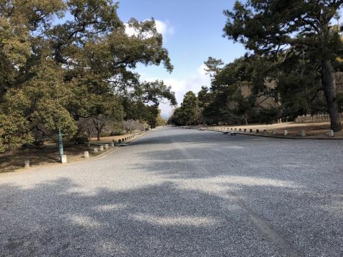 さて、京都御苑の中に入りましょう。