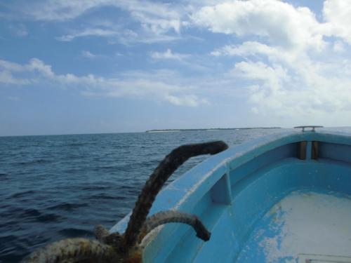いよいよ船に乗り込み、MBUDYA島を目指します。