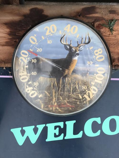 一年中外に出しっぱなしの温度計は‥<br /><br />-27度くらい。