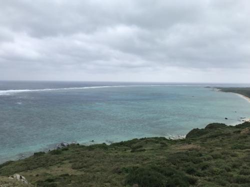 その後、石垣島最北端の平久保埼へ。<br />個人的にはここからの景色が石垣島No1と思います。<br /><br />天気が残念ですが、それでもやはり美しい。