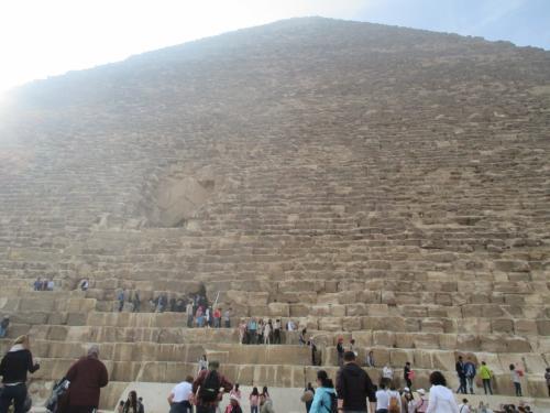 クフ王のピラミッドだよー!
