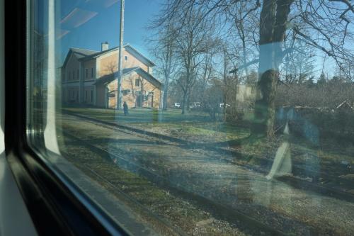 ホームのない、線路を歩いて外に出てねっていう駅が多かった<br /><br />というかこんなところに人住んでるのかっていうくらい田舎