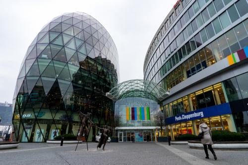 結構寒くて、なんか飲みたいなってことで<br /><br />google map片手にユーロビアというショッピングセンターを見つけたので<br />、寄ってみる<br /><br />