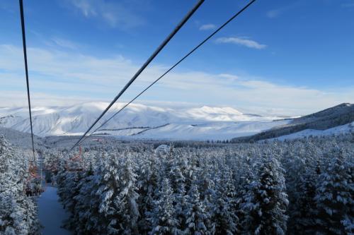 後ろを振り返るとカラコル周辺の雪山が綺麗です!