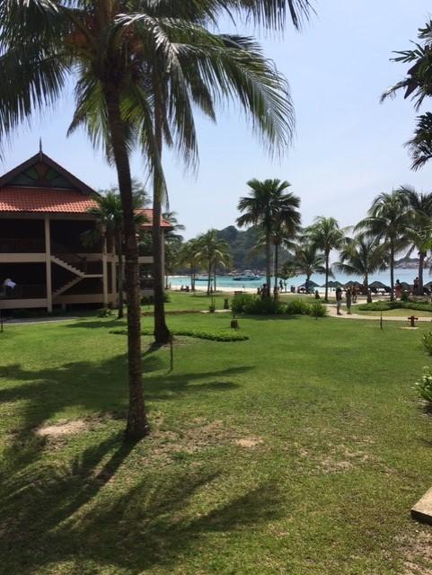 リゾートホテルのビーチに行くので、トイレやシャワーも借りられます。