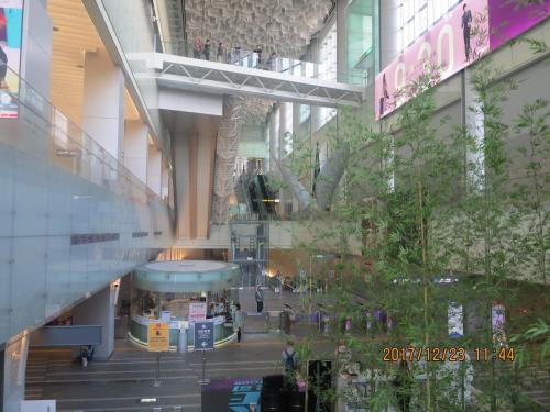 終点の南港まで乗り、台北にひきかえして、桃園空港MRTの乗り場に向かいます。