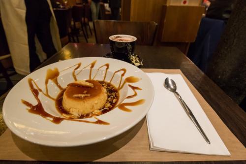 北駅近くにあるCafe du Nordでデザート。<br />こいつ食ってばっかりやな(笑)