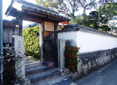 菊屋横町を行くと、高杉晋作誕生地に出ます。<br /><br />