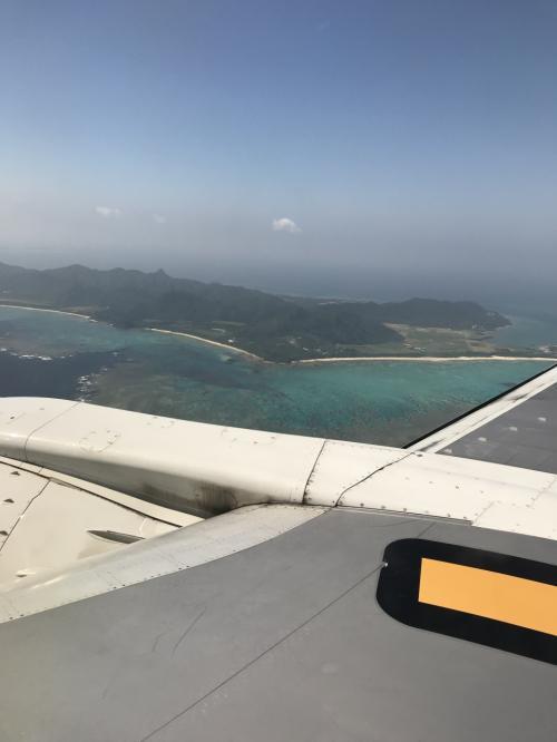 あと少しで着陸。石垣島に行くのは20年ぶりくらいです。