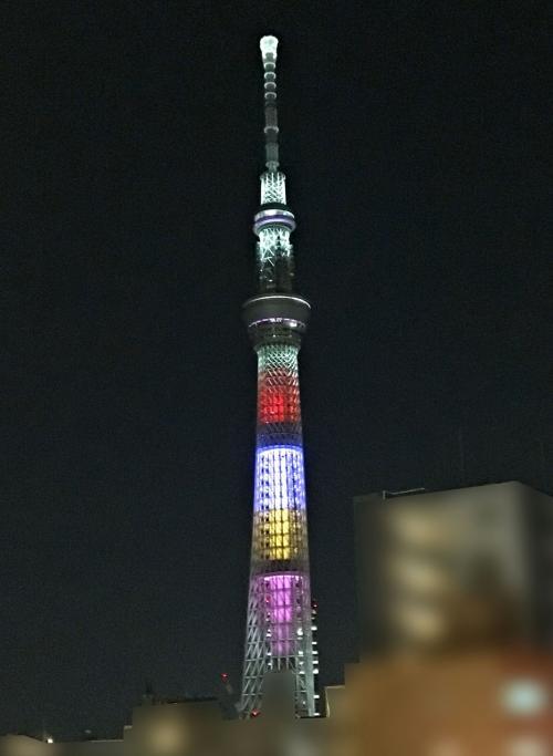 こちら東京スカイツリーでは、ライディングのテスト中<br />色んなカラーに変化していましたww<br /><br />