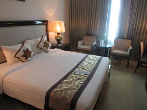 プノンペンの宿はリバーパレスホテル。