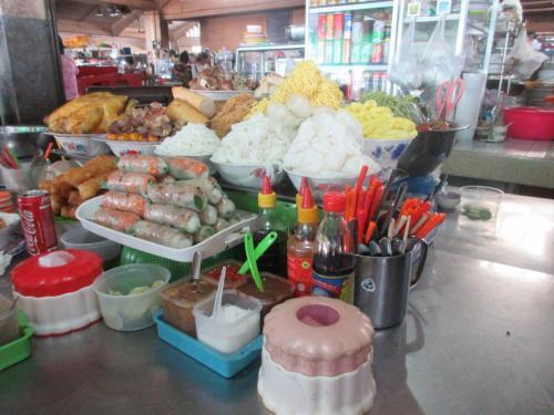 カンボジアは、ベトナムの食べ物もけっこうあります。