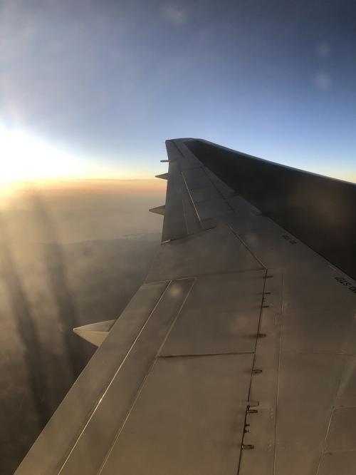 空上の日の出。
