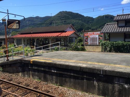 埼玉奥深く分入って行くにつれて、こんな感じの駅が増えてきます。