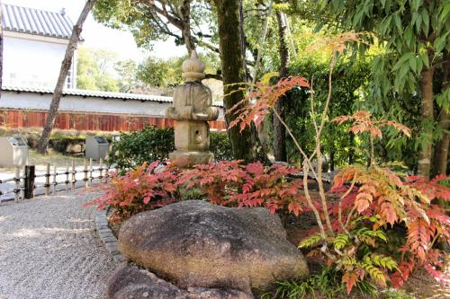 新渓園<br /><br />落ち着いた日本庭園
